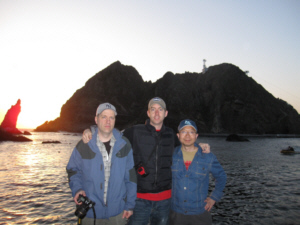 竹島 たけしま 獨島 독도 dokdo-takeshima.com staff at Dokdo