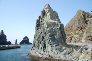 독도 獨島 竹島 たけしま Rock formations on Dokdo Island's East Islet