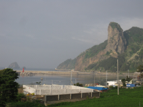 Ulleungdo's North shore with No-In Bong and Elephant Rock in the background