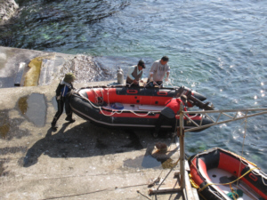 Raising the zodiak onto dock at Dokdo's West Islet 독도 たけしま 獨島 竹島