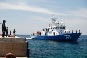 竹島 たけしま 獨島 독도 ROK gunboat arrives at Dokdo