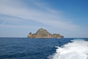 독도 獨島 竹島 たけしま Leaving Dokdo en route to Ulleungdo 2