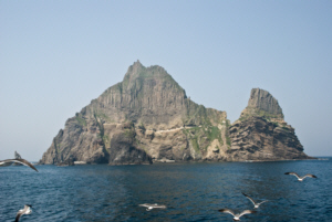 The West side of Dokdo 독도 獨島 竹島 たけしま